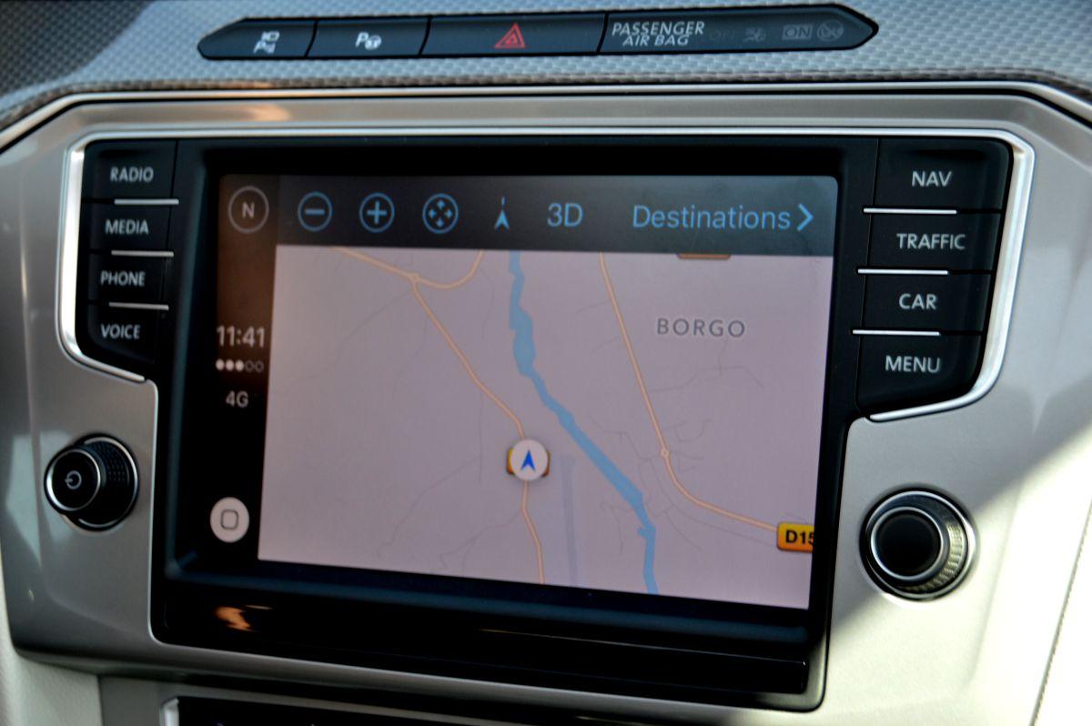 test apple carplay vs android auto. Black Bedroom Furniture Sets. Home Design Ideas