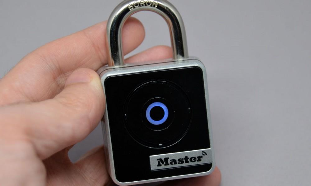 test du cadenas connect 4400d de master lock. Black Bedroom Furniture Sets. Home Design Ideas