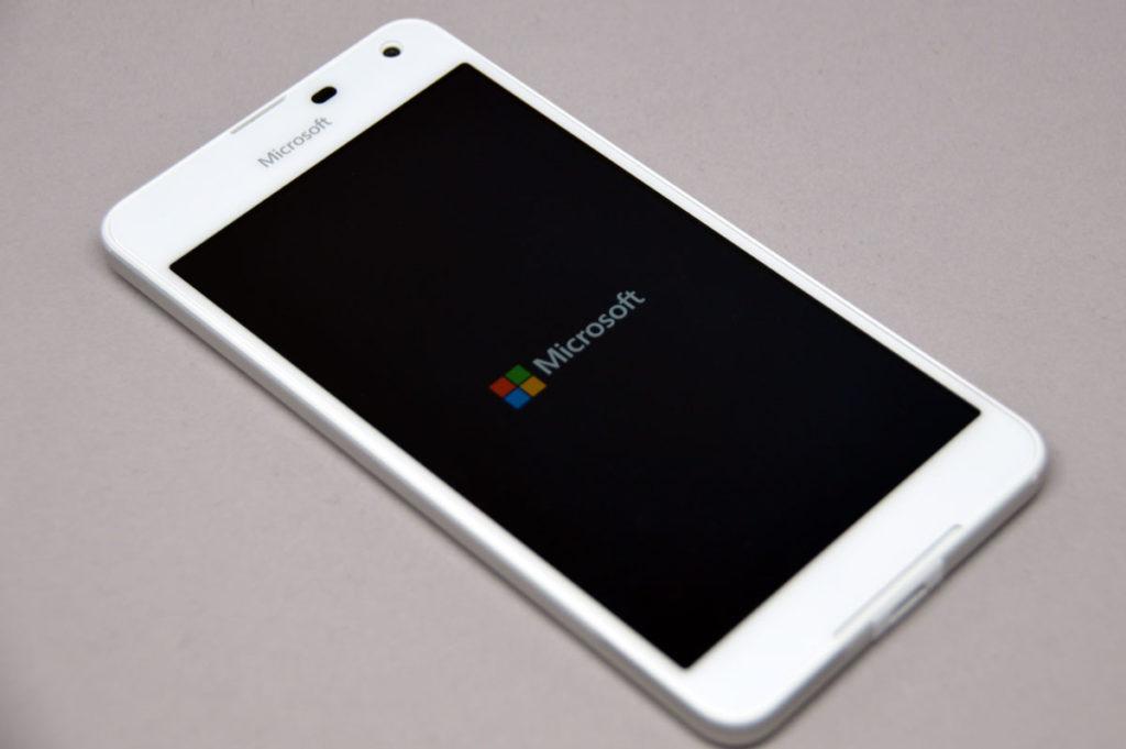 microsoft-lumia650-une-1024x681