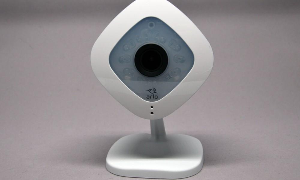 test de la cam ra de surveillance netgear arlo q. Black Bedroom Furniture Sets. Home Design Ideas