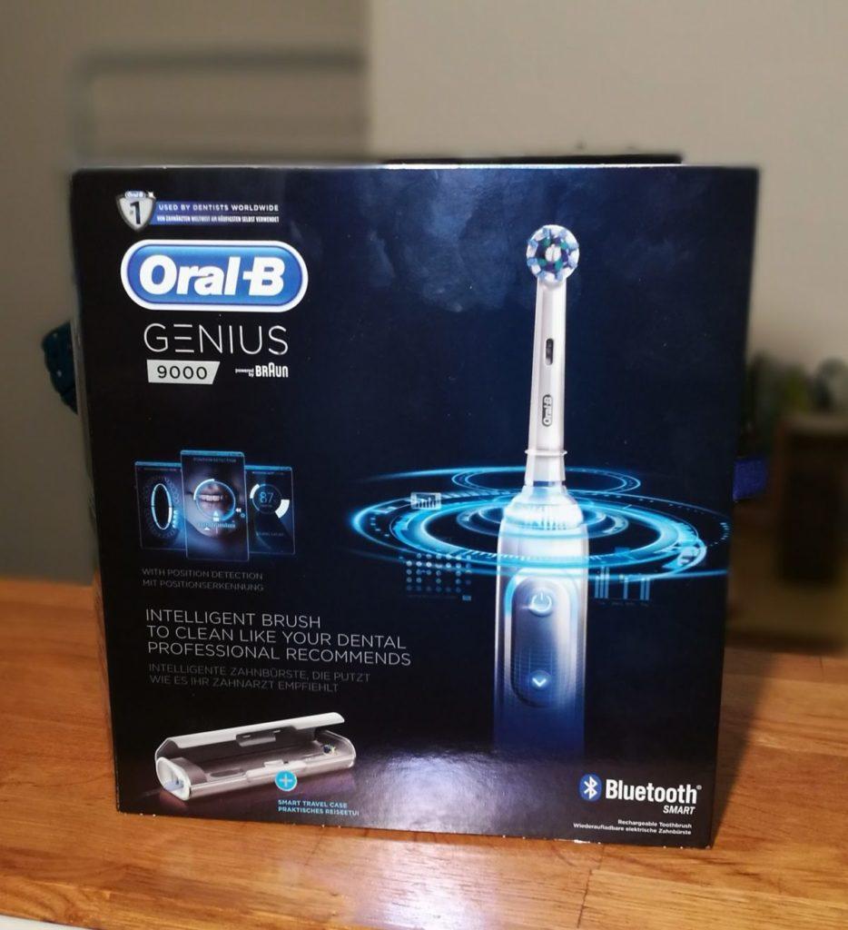 Oral-B-Genius-9000-boite-934x1024