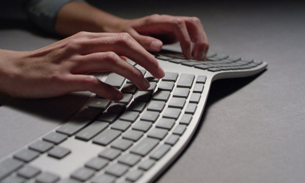 test du clavier ergonomique surface de microsoft